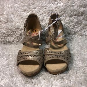 NEW Girls JellyPop Wedge Gold Sandals Size 12